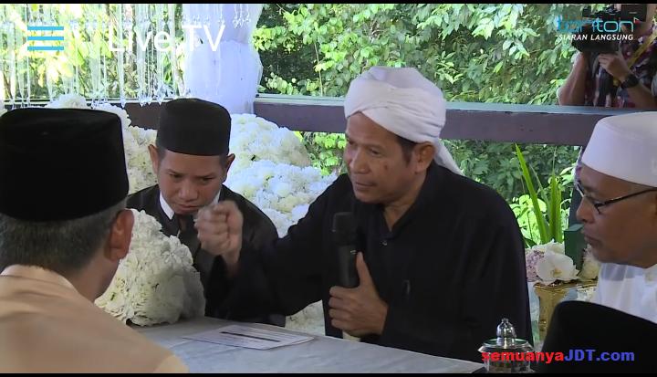 Izham Tarmizi kahwin Mia Ahmad 3