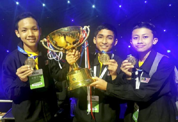 Tiga Pelajar Kita Juara Dunia Pertandingan Robotik