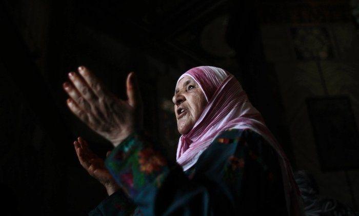 Cuba Amalkan Setiap Pagi Sedekahkan Al-Fatihah Kepada Ibu Bapa Anda, Anda Pasti Terkejut Dengan Kesannya