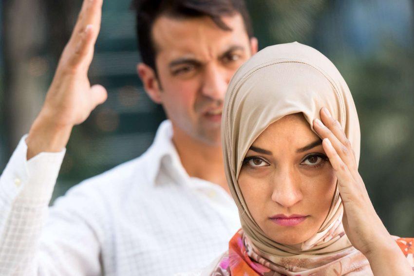 Kenapa Zaman Sekarang Terlalu Banyak Berlaku Penceraian.Saling Mencintai Tetapi Tak Pandai Memzahirkan Cinta