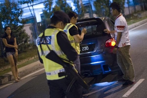 Inilah Hak-Hak Anda Jika Ditahan Polis, Warga Malaysia Wajib Tahu